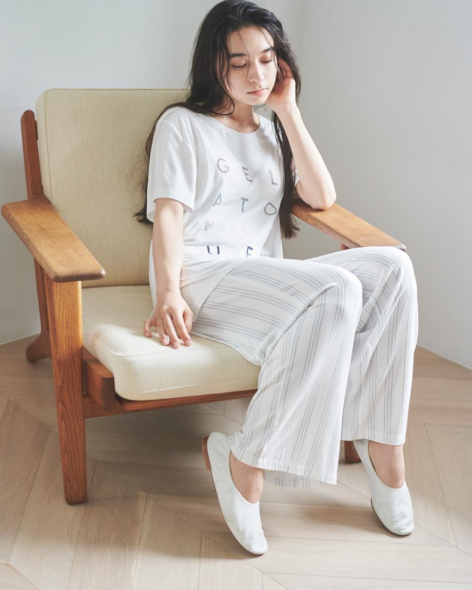 デオドラントロゴTシャツ ¥4,200+tax デオドラントロングパンツ ¥6,000+tax